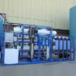 Tratamento químico de água de caldeiras e torres de resfriamento